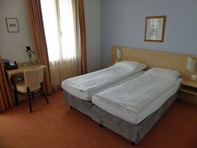 Medium rooms at the Hotel Rigi Vitznau are bigger double rooms with lake view and balcony