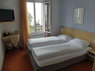 A single room at the Hotel Rigi Vitznau is a double room for single use